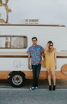 All about the retro vibes in this Joshua Tree engagement from Lex and the Lotus Photography
