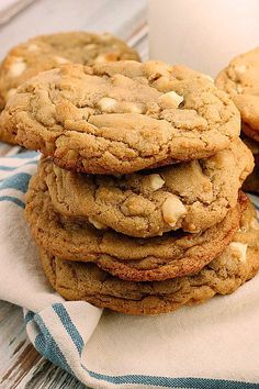 White Chocolate Macadamia Cookies - Bunny's Warm Oven