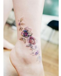 In this article, we have organized 10 best flower tattoo designs. Check our flower tattoos list together, you can get the best flower tattoo inspiration. Dainty Tattoos, Cute Small Tattoos, Up Tattoos, Body Art Tattoos, Cool Tattoos, Tatoos, Floral Tattoo Design, Flower Tattoo Designs, Flower Tattoos