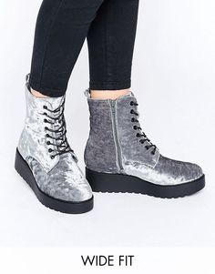 New Look Wide Fit Lace Up Boots In Velvet