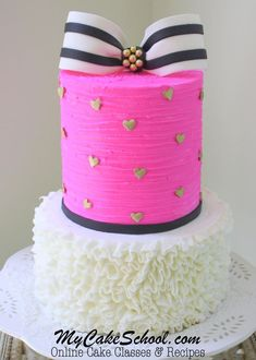 Gorgeous Cake with Striped Bow and Ruffled Buttercream- A Cake decorating Video… Buttercream Ruffle Cake, Buttercream Decorating, Cake Piping, Creative Cake Decorating, Cake Decorating Classes, Creative Cakes, Decorating Cakes, Decorating Tips, Cupcakes