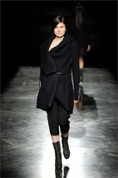 Ifrom Lutz Paris fashion show- new designer.  It really reminds me of my Ermanno Scervino coat.