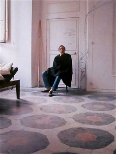 CY TWOMBLY, the american abstract painter Rome appartment, images shot of by p. horst for vogue in 1966.