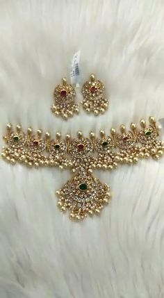 Indian Bridal Jewelry Sets, Silver Wedding Jewelry, Bridal Party Jewelry, Jewelry Design Earrings, Gold Jewellery Design, Diamond Jewelry, Silver Jewelry, Necklace Set, Gold Necklace