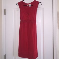 Billabong dress Beachy little number, bright red, v-neck with cinched empire waist and a tie back. Great condition!! Billabong Dresses Midi