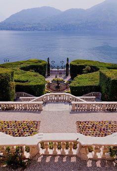Northern Italy destination wedding sounds dreamy.