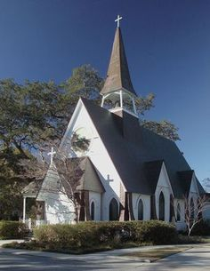 "Mississippi church....  ""They used to go to Church on Sunday...when the wagon was new.   They were all in the wagon, Grandpa and Grandma too.  Yes, we used to go to Church on Sunday....and America was the land of the free and the home of the brave, Conservative Christians."