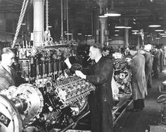 Rolls Royce Merlin engines in production in Nottingham- Similar to the production at Hillington Park! Aircraft Engine, Ww2 Aircraft, Military Aircraft, Jet Engine, Diesel Engine, Jets, Rolls Royce Merlin, P51 Mustang, Supermarine Spitfire