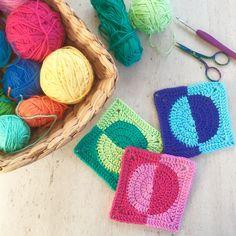 crochet motifs | poppyandbliss Crochet Squares, Crochet Granny, Crochet Motif, Crochet Patterns, Granny Squares, Crochet Ideas, V Stitch Crochet, Crochet Stitches, Modern Crochet