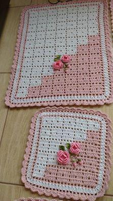 Crochet and embroidery Crochet Rug Patterns, Crochet Motifs, Crochet Blocks, Crochet Stitches, Knitting Patterns, Crochet Carpet, Crochet Home, Love Crochet, Baby Blanket Crochet