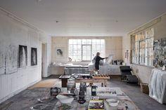 Creative Corners: Incredible and Inspiring Home Art Studios, – Creative Home Office Design Studio Room Design, Art Studio At Home, Home Art, Studio Spaces, Art Atelier, Atelier Creation, Dream Studio, Small Apartment Decorating, Home Upgrades