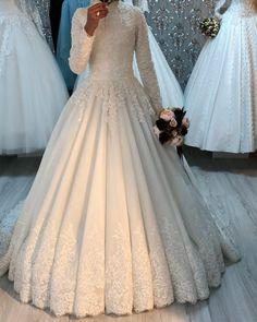 Disney Wedding Dresses, Muslim Brides, Pakistani Wedding Dresses, Muslim Couples, Muslimah Wedding, Wedding Hijab, Wedding Gowns, Wedding Cakes, Fairytale Bridal