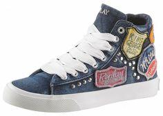 Replay Sneaker, mit Vintage-Patches für 99,99€. In modischer Jeans-Optik mit auffälligen Patches und Nietenverzierungen, Obermaterial aus weichem Textil bei OTTO