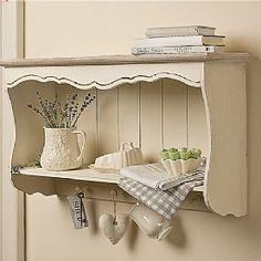beautiful kitchen shelf.