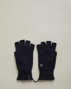 Made from premium materials, our unisex cold weather accessories offer refined warmth this season. Discover hats, scarves, gloves and socks crafted with quality wool and cashmere from Acne Studios, Jil Sander & WANT Les Essentiels. Explore our selection to complete your winter look or to gift to a loved one. Cashmere Gloves, Sock Crafts, Fingerless Gloves Knitted, Personal Shopping, Winter Looks, Cold Weather, Wool Blend, Unisex, Hats