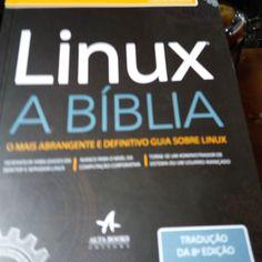 #linux a bíblia 800 páginas história funções e comandos. Ainda to mas primeiras páginas mas tô adorando. #linuxfan by wladimir58
