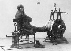 Vintage fitness equipment | Paparazzi photo reports