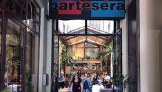 Ο Βασίλης Δημαράς μετά από χρόνια επιστρέφει στο «ψαγμένο» Bartesera και δοκιμάζει την ανανεωμένη λίστα των κοκτέιλ. Times Square, Travel, Viajes, Traveling, Trips, Tourism