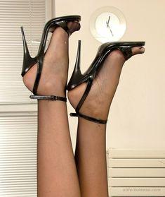 6cf5aa2be25a63819dc1d67dfdc98c53--black-pantyhose-nylons.jpg 736×873 Pixel  #anklestrapsheelsblack sandals with heels