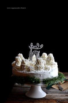 "Torta Biancaneve ""Snow White cake ""  http://www.zagaraecedro.ifood.it/2016/12/torta-biancaneve.html"
