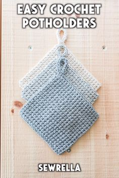 The most versatile, necessary kitchen pattern to add to your library. a simple textured stitch makes these potholders thick and durable - with a simpler version of an i cord loop for hanging within reach. Potholder Patterns, Crochet Potholders, Easy Crochet Patterns, Crochet Designs, Free Crochet, Knit Crochet, Knitting Patterns, Tutorial Crochet, Hairpin Lace Crochet