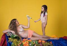 """Depois de anunciar a gravidez ontem em seu Instagram @beyonce divulgou um ensaio fotográfico maravilhoso! """"Eu tenho três corações"""" ela disse. Mostramos mais em revistalofficiel.com.br #LOFFama  via L'OFFICIEL BRASIL MAGAZINE INSTAGRAM - Fashion Campaigns  Haute Couture  Advertising  Editorial Photography  Magazine Cover Designs  Supermodels  Runway Models"""