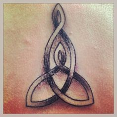 My mother daughter Celtic tattoo on my back :)