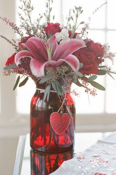 40 Hot Red Valentine Home Décor Ideas | DigsDigs