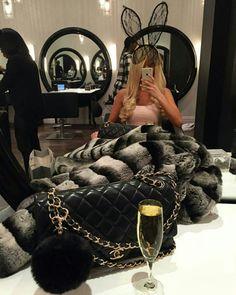 Breakfast at chanel rich lifestyle, luxury lifestyle, expensive taste, rich kids, luxury Luxury Lifestyle Fashion, Rich Lifestyle, Set Fashion, Under Armour, Expensive Taste, Luxe Life, Rich Kids, Chelsea, Women Life