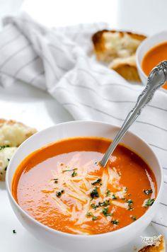 zimní rajčatová polévka Mango Avocado Salsa, Czech Recipes, Ethnic Recipes, Time To Eat, Bon Appetit, Thai Red Curry, Soup Recipes, Sugar Free, Food And Drink