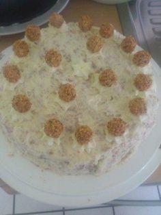 Das perfekte Sahnige Giotto Torte-Rezept mit Bild und einfacher Schritt-für-Schritt-Anleitung: Zu beginn Springform (26cm) gut einfetten und Backofen…