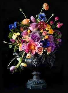 wasbella102:  Arrangement  Urn, Bloom by Anuschka