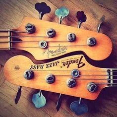 Fender Precision Bass & Fender Jazz Bass