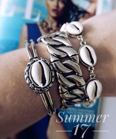 mix de pulseiras tema sereia, bijoux boho verão,Beth Souza acessórios,bijoux da moda,acessórios conchas,bijoux concha,bijoux atacado,acessórios femininos