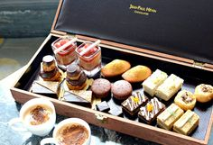 Jean-Paul Hévin Chocolatier Afternoon Tea The Woman In White, Moving To England, Hotel Amenities, High Tea, Teas, Food Photo, Afternoon Tea, Tea Time, Tea Party