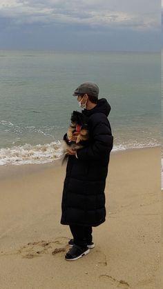 𝐁𝐀𝐃 𝐁𝐎𝐘 ─ 𝐤𝐩𝐨𝐩 𝐛𝐨𝐲𝐟𝐫𝐢𝐞𝐧𝐝 𝐚𝐞𝐬𝐭𝐡𝐞𝐭𝐢𝐜 - 𝐓𝐀𝐄𝐇𝐘𝐔𝐍𝐆 ─ 𝐁𝐓𝐒 - Page 2 - Wattpad Bts Taehyung, Bts Bangtan Boy, Foto Bts, K Pop, Bts Dogs, Bts Kim, V Bts Wallpaper, Bts Korea, Bts Lockscreen