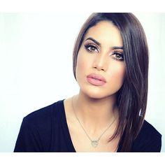 Hello Sunday!!! Have you guys seen the Kylie Jenner inspired makeup on my blog?! Check it! Www.camilacoelho.com❤️ ------- Hello Domingo! Vocês viram o make lindo inspirado na @kyliejenner que coloquei no blog?! Vem ver!!! ❤️ (O meu dia vai ser Em casa terminando de arrumar as malas e gravando mais vídeos! Já viajo amanhã!!!) #kyliejenner #makeup