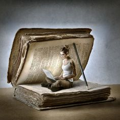 Arte do saber Reading Art, Reading Books, World Of Books, Book Nooks, I Love Books, Altered Books, Book Crafts, Belle Photo, Creative Photography