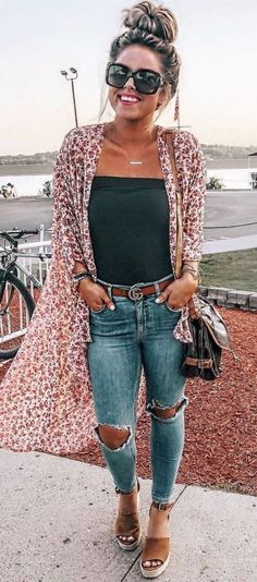 Boho spring outfits, school outfits, date outfits, spring summer fashion,. Fashionista Trends, Mode Outfits, Casual Outfits, School Outfits, Black Top Outfits, Black Summer Outfits, College Outfits, Casual Summer, Jean Outfits
