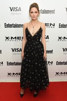 Rose Byrne wearing Jimmy Choo, Edie Parker, Mario Valentino and Disney Couture / Swarovski Rose Byrne, Hollywood Fashion, Celebrity Red Carpet, Celebrity Style, Celebrity Selfies, Outfit Vestido Negro, Beautiful Dresses, Nice Dresses, Festivals