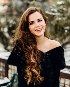SFW pics of girls smiling. Tiffany Alvord, Girl Pictures, Music Artists, Cool Photos, Dressing, Beautiful Women, Celebs, Singer, Smile