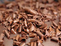 """Aus Gründen des vorbeugenden Verbraucherschutzes ruft Hersteller """"RuF Lebensmittelwerk KG"""" seine """"Raspelschokolade"""" zurück. Es wurden Borsten darin gefunden."""