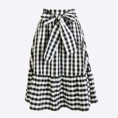 Crew Factory for the Tie-waist midi skirt for Women. Find the best selection of Women Skirts available in-stores and online. I Love Fashion, Modest Fashion, Fashion Outfits, Modest Outfits, Skirt Outfits, Pretty Outfits, Cute Outfits, Tie Skirt, Chiffon Skirt