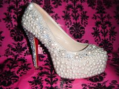 How to DIY bling your shoes - help!! « Weddingbee Boards - This thread has lots of diy help + links to tutorials and examples