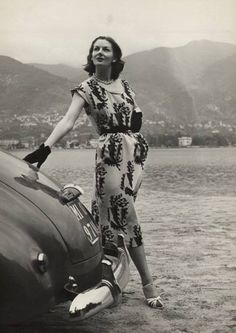 Vintage fashion from the 1940s. So elegant! c.1947