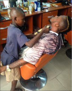 Welcome To Megaisland.Com: Meet a 10 year old barber who makes at least N5,00...