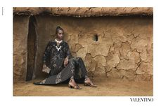 """Valentino SS16 la campaña: """"El africa Salvaje y polémica""""Mamey el Nuevo Negro"""