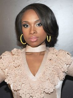 Jennifer Hudson - This powerhouse vocalist looks oh so polished with a glossy, curled-under cut. #bobhairstyles