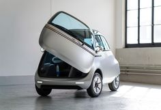 Micro unveils Microlino electric bubble car and three-wheeled e-scooter Bmw Isetta, Electric Motor, Electric Cars, Microcar, Auto Motor Sport, Third Wheel, E Scooter, Bmw S, Geneva Motor Show