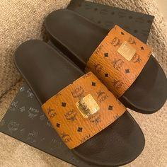 Mcm Shoes, Men's Shoes, Black Leather Slip Ons, Loafer Shoes, Loafers, Men Slides, Shoe Size Chart, Slip On Shoes, Saint Laurent